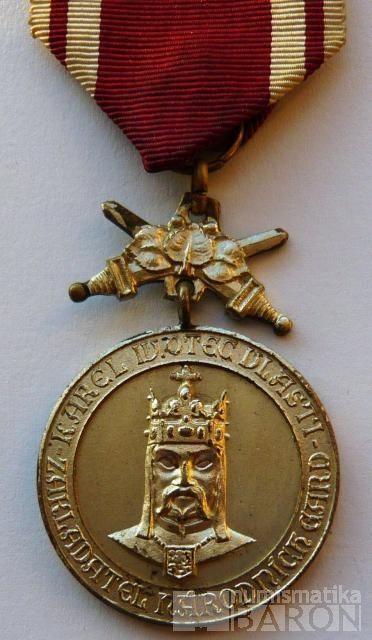 ČSR - Za věrnost a branné zásluhy Karel IV.-stř.stupeň