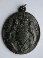 Sasko - král. Dva lvi drží erb 1904