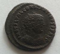 AE-20, stojící postava, Constantinus I., 307-37, Řím-císařství