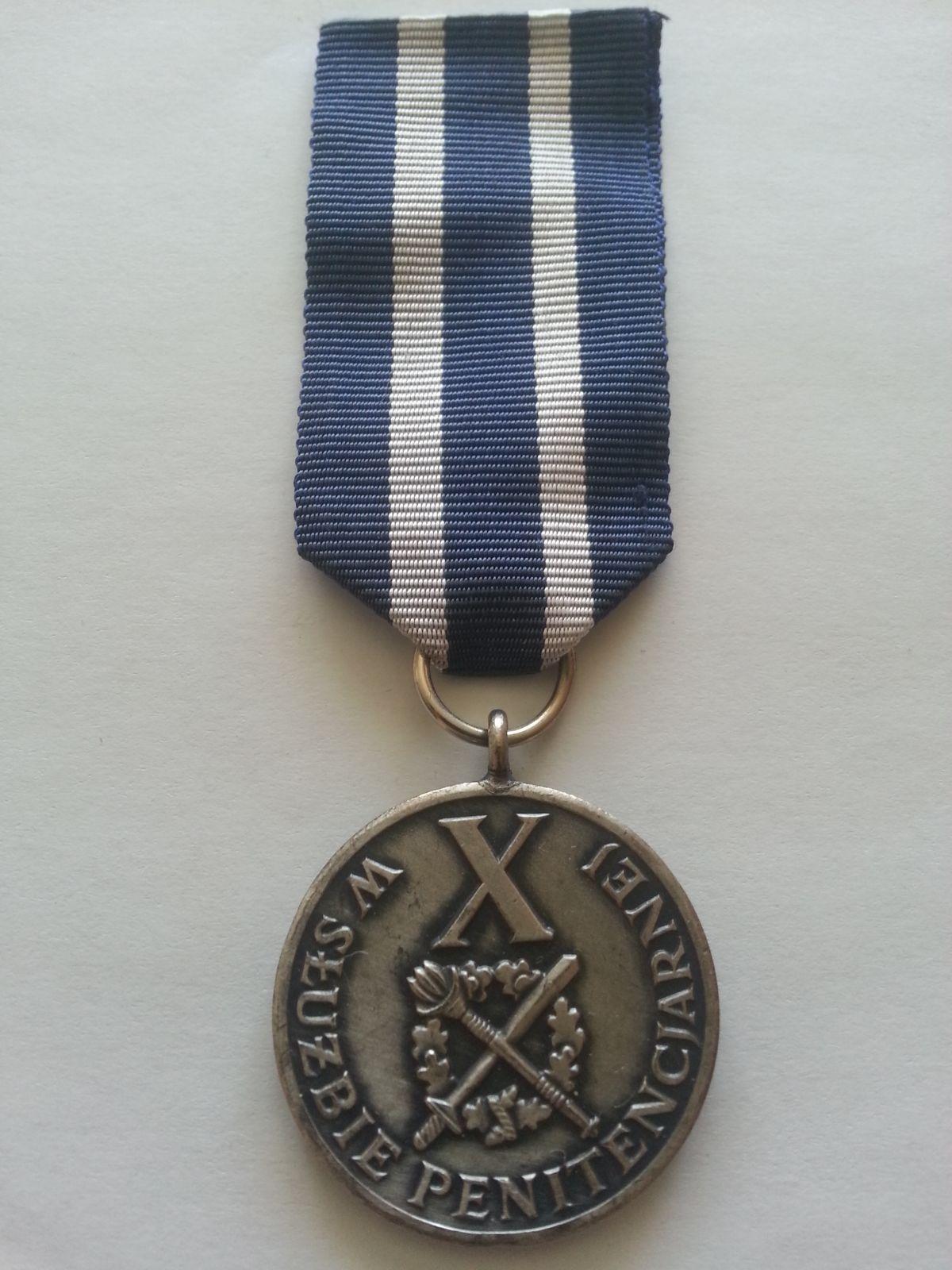 za X. let vojenské služby, Polsko