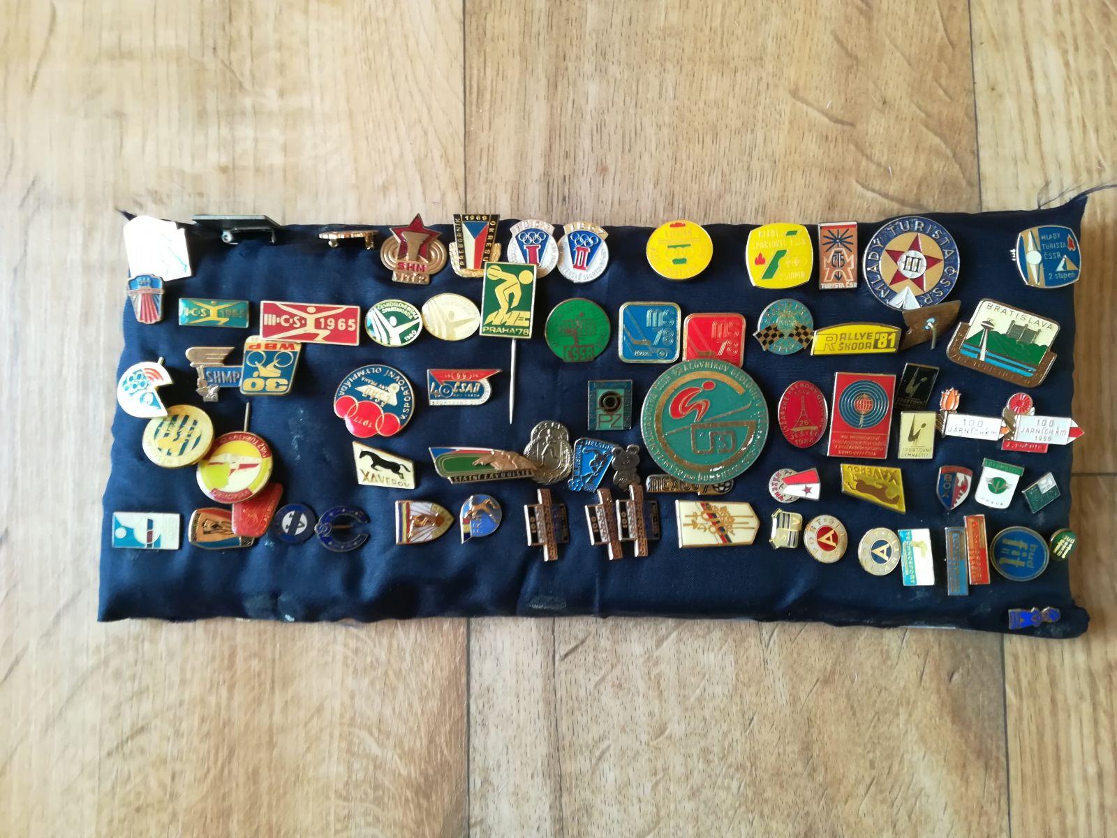 Sbírka 75 kusů odznaků ČSSR se sportovní tématikou
