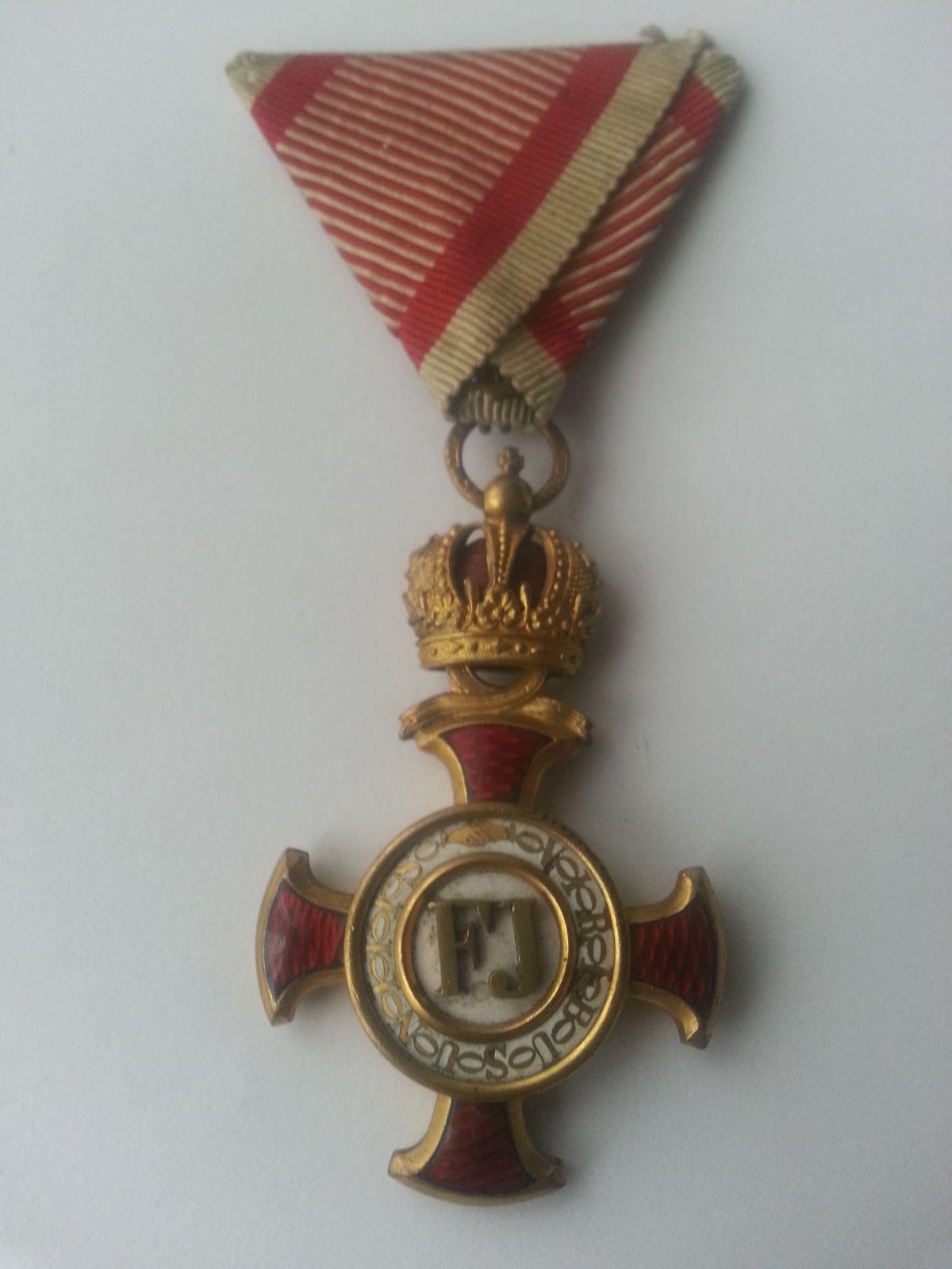 Kříž 1849, s korunou, Rakousko, malá vada smaltu