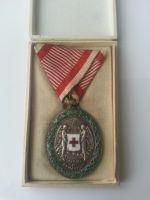 Záslužná medaila, Červený kříž Ag + originální etue, nepatrně oprav.smaltu, Rakouško-Uhersko