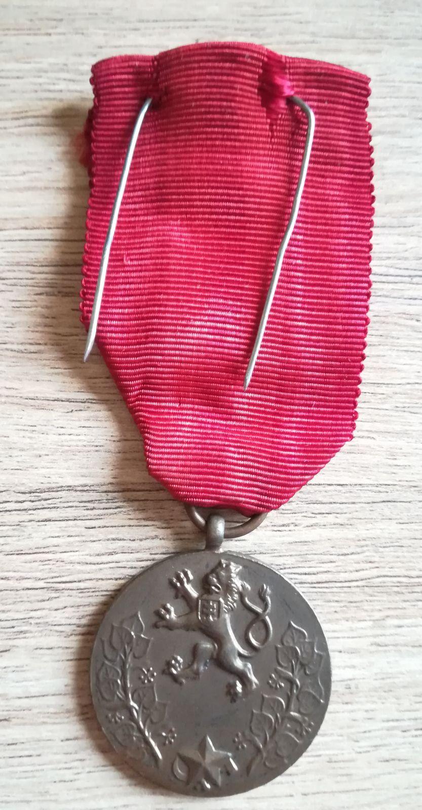 Medaile Za službu vlasti, I. vydání, s dekretem prezidenta A.Zápotockého