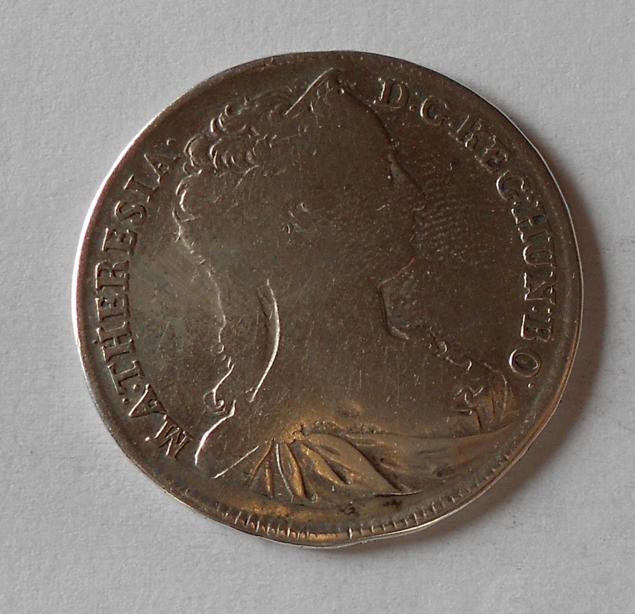 Uhry 1/2 Tolar 1742 Marie Terezie, měl ouško