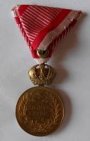 Rakousko Signum Laudis František Josef I., zlacený bronz