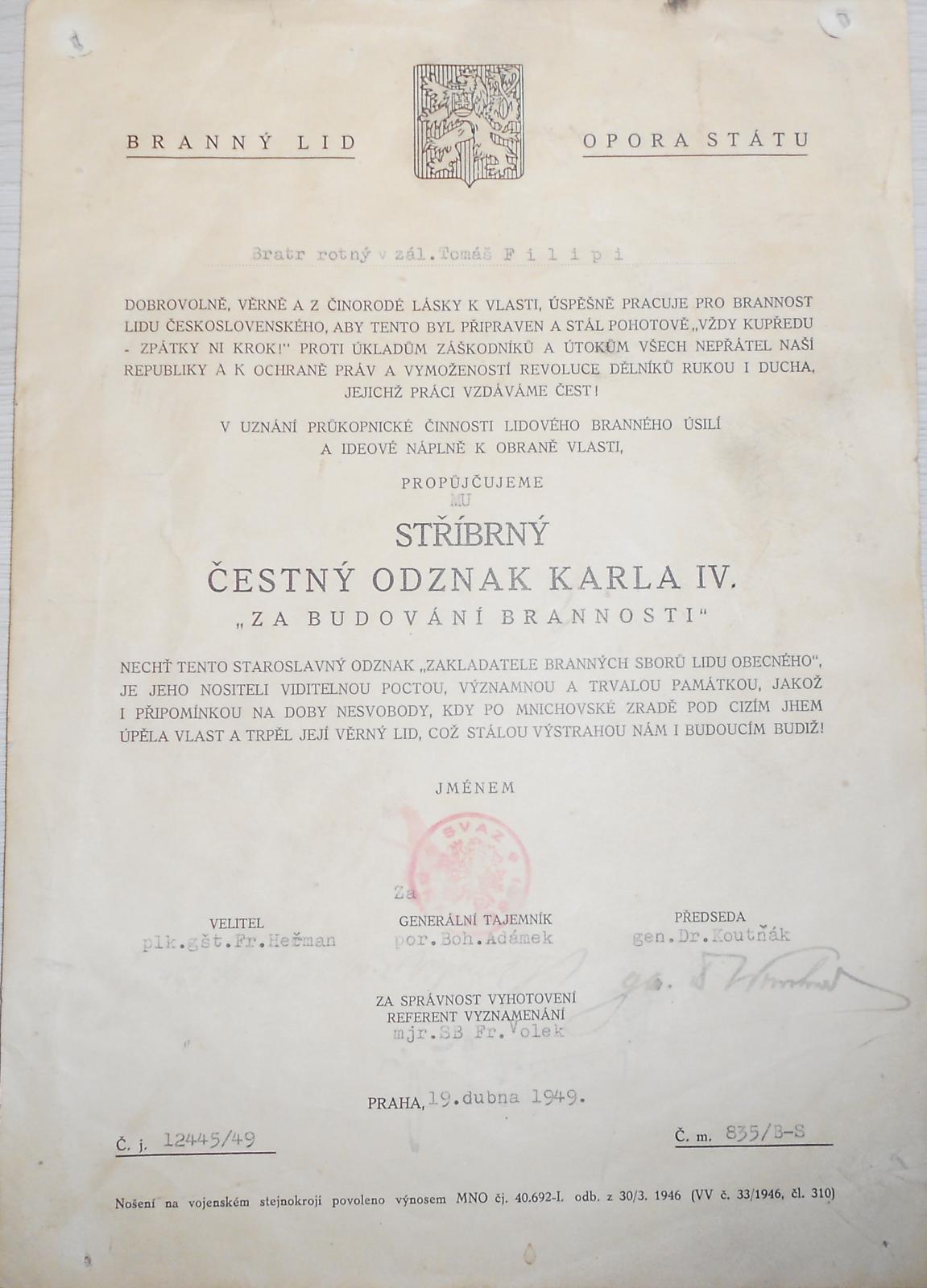 ČR – dekret na udělení stř. odznaku Karla IV.