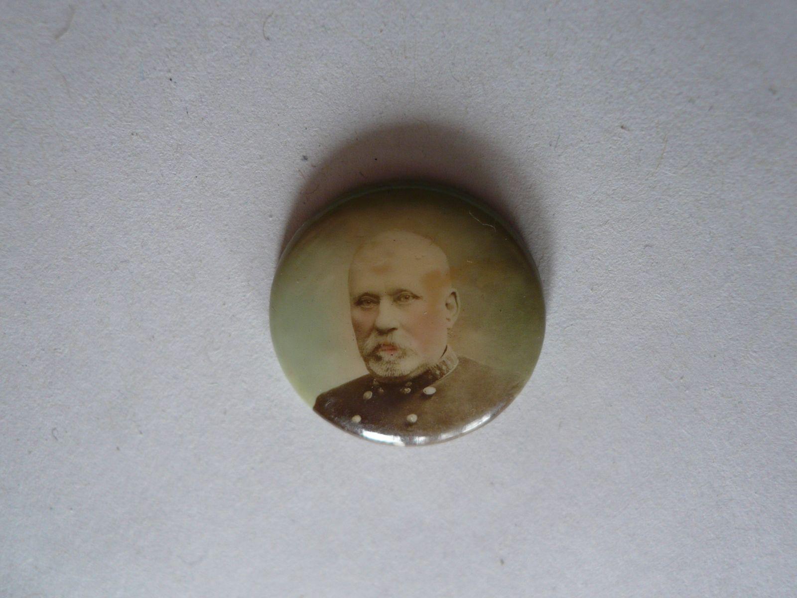 nalepovací odznak, muž v uniformě, Rakousko