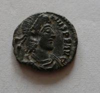 Redukovaná Maiorina, Constantinus II., stojící Augustus, S:18.316, Řím-císařství, 317-37