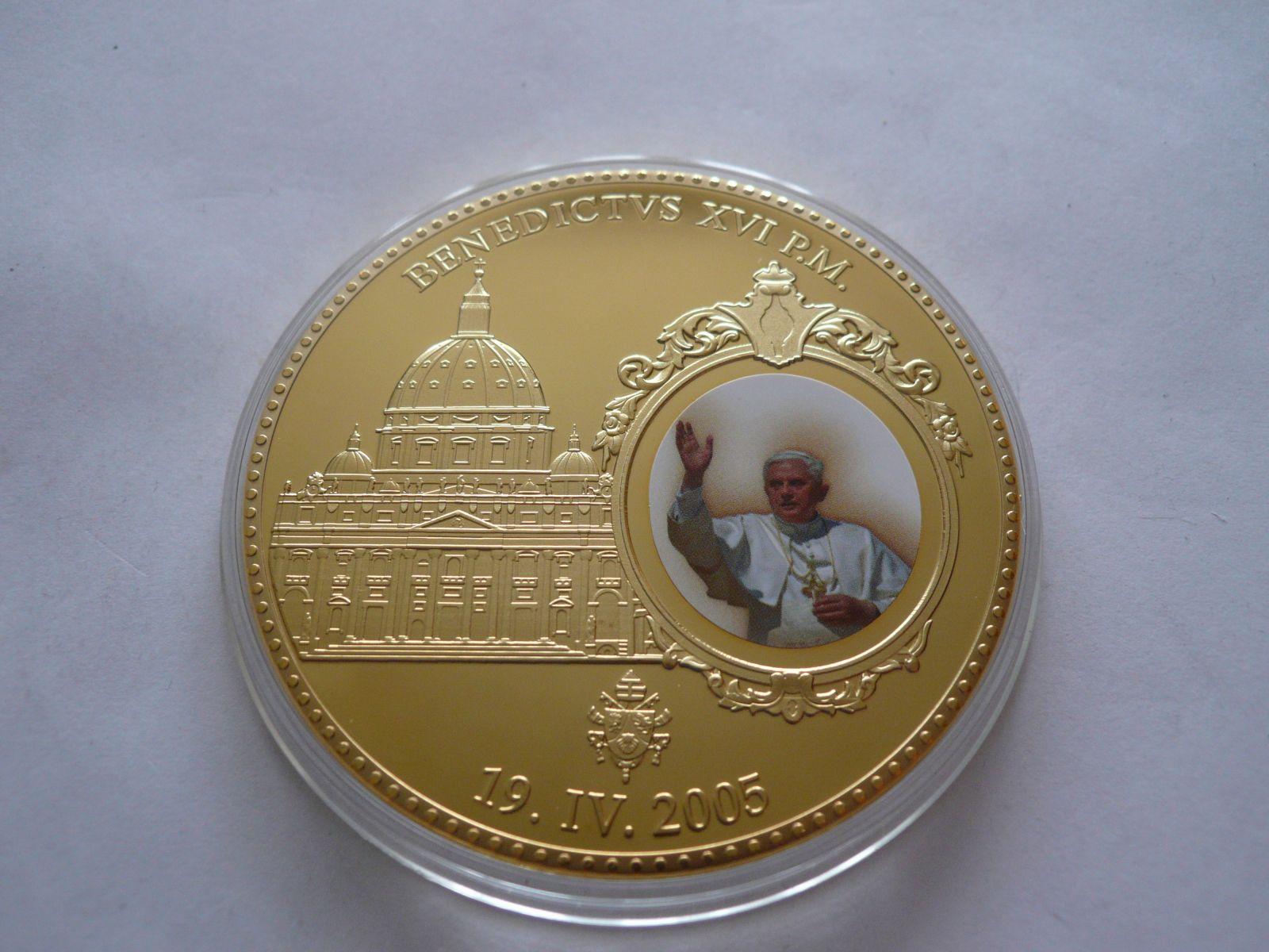 papež Benedikt XVI. průměr 70mm, ČR