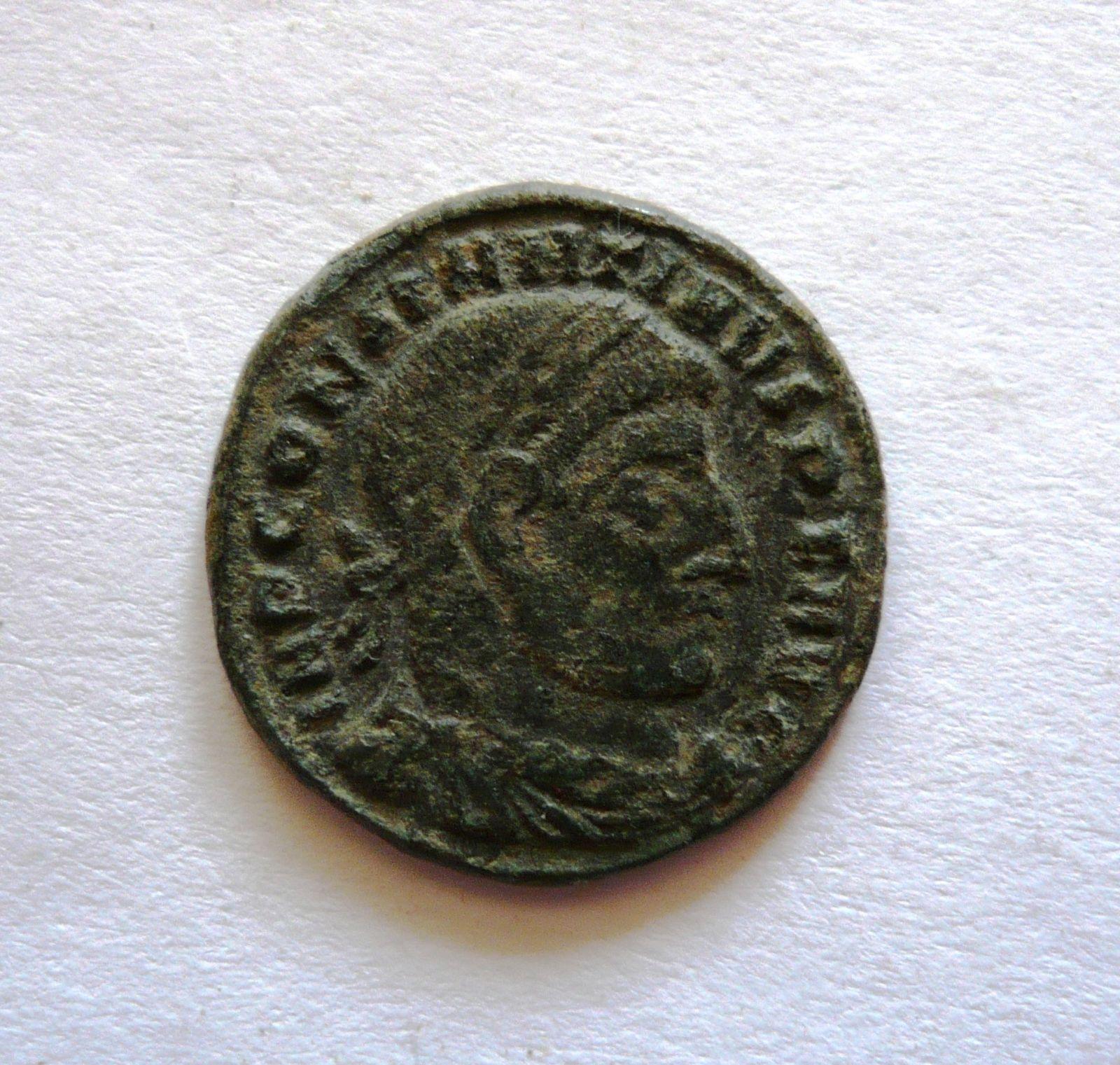 AE-3, Constantinus I., 307-37, Sol drží globus, Řím-císařstsví