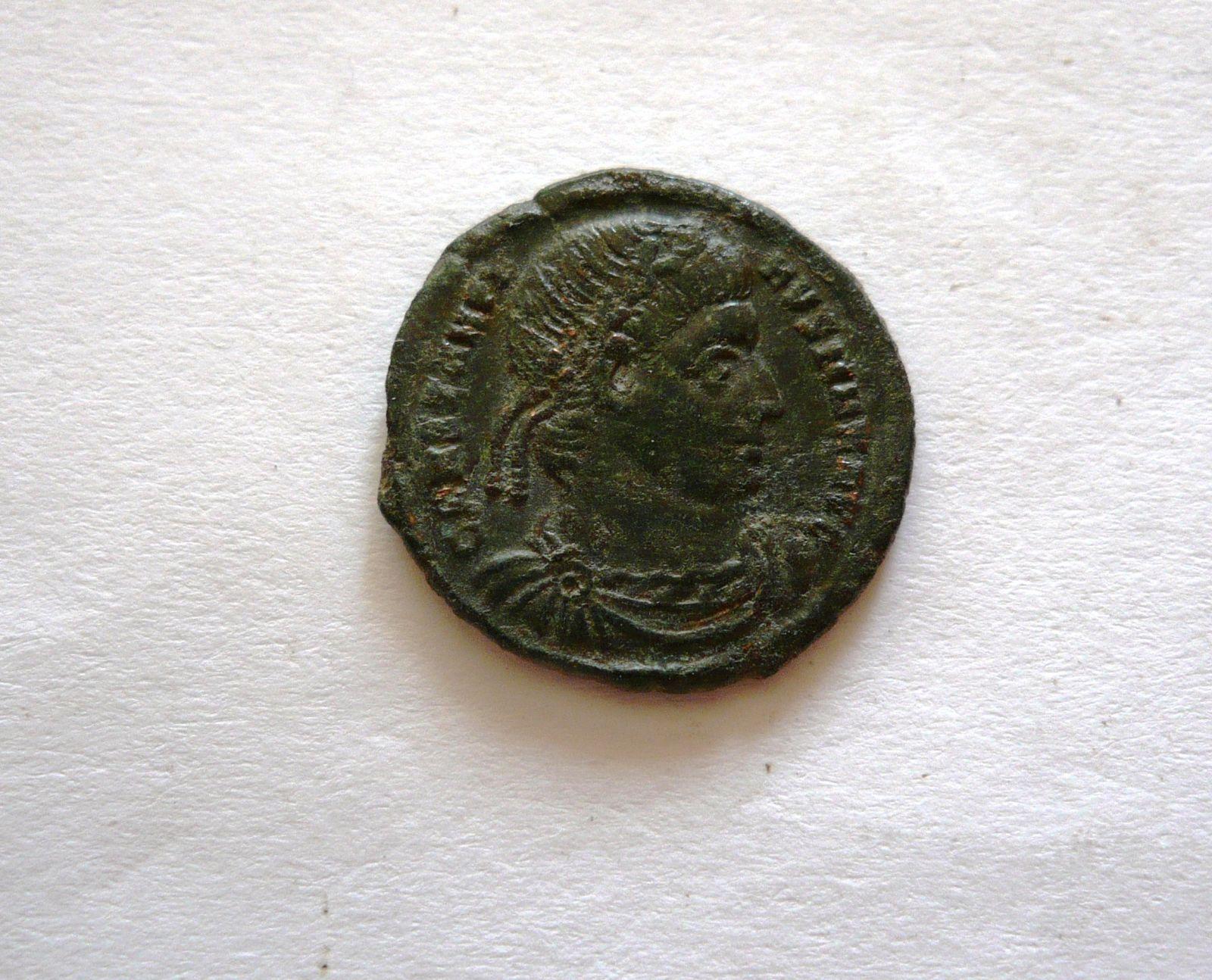 Centenionalis redukovaný, Constantinus I., 2 standarty, 307-372, Řím-císařství